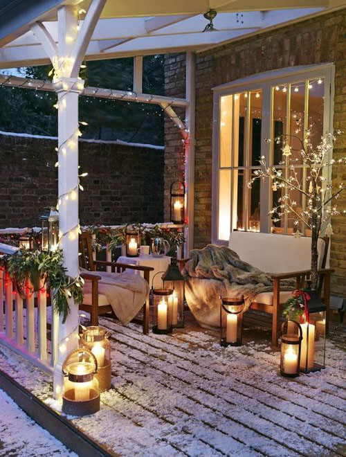 50 Stunning Christmas Porch Decorating Ideas – Style Estate –