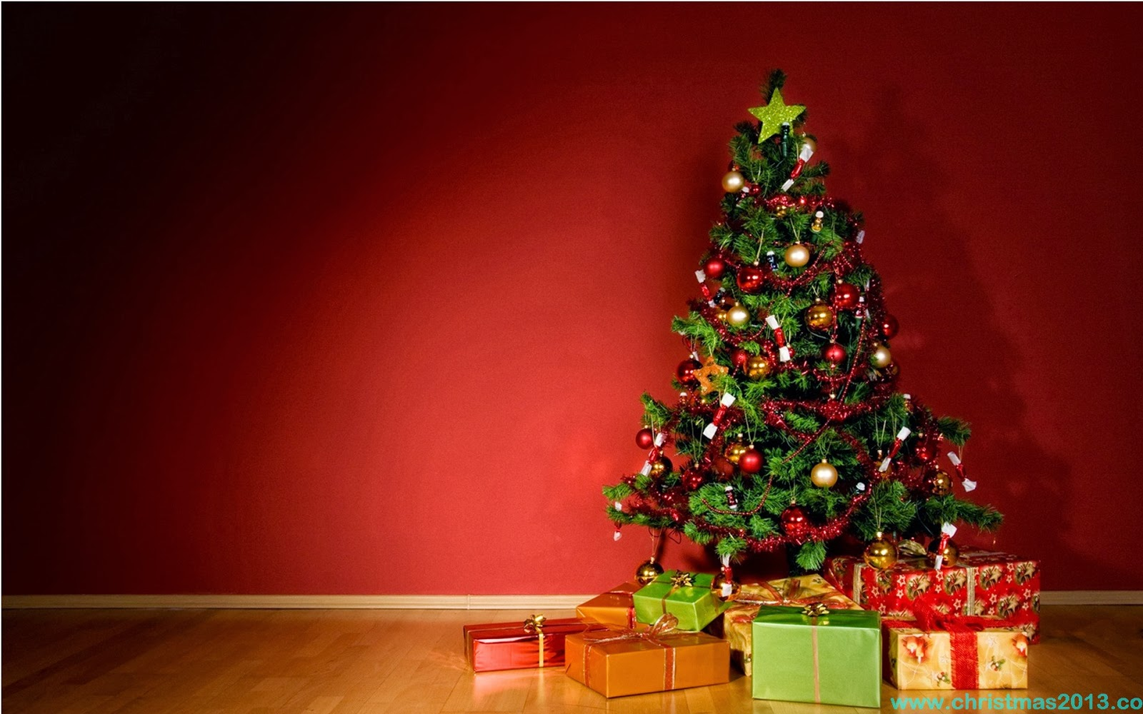 40 red christmas decorating ideas all about christmas for Decoration xmas