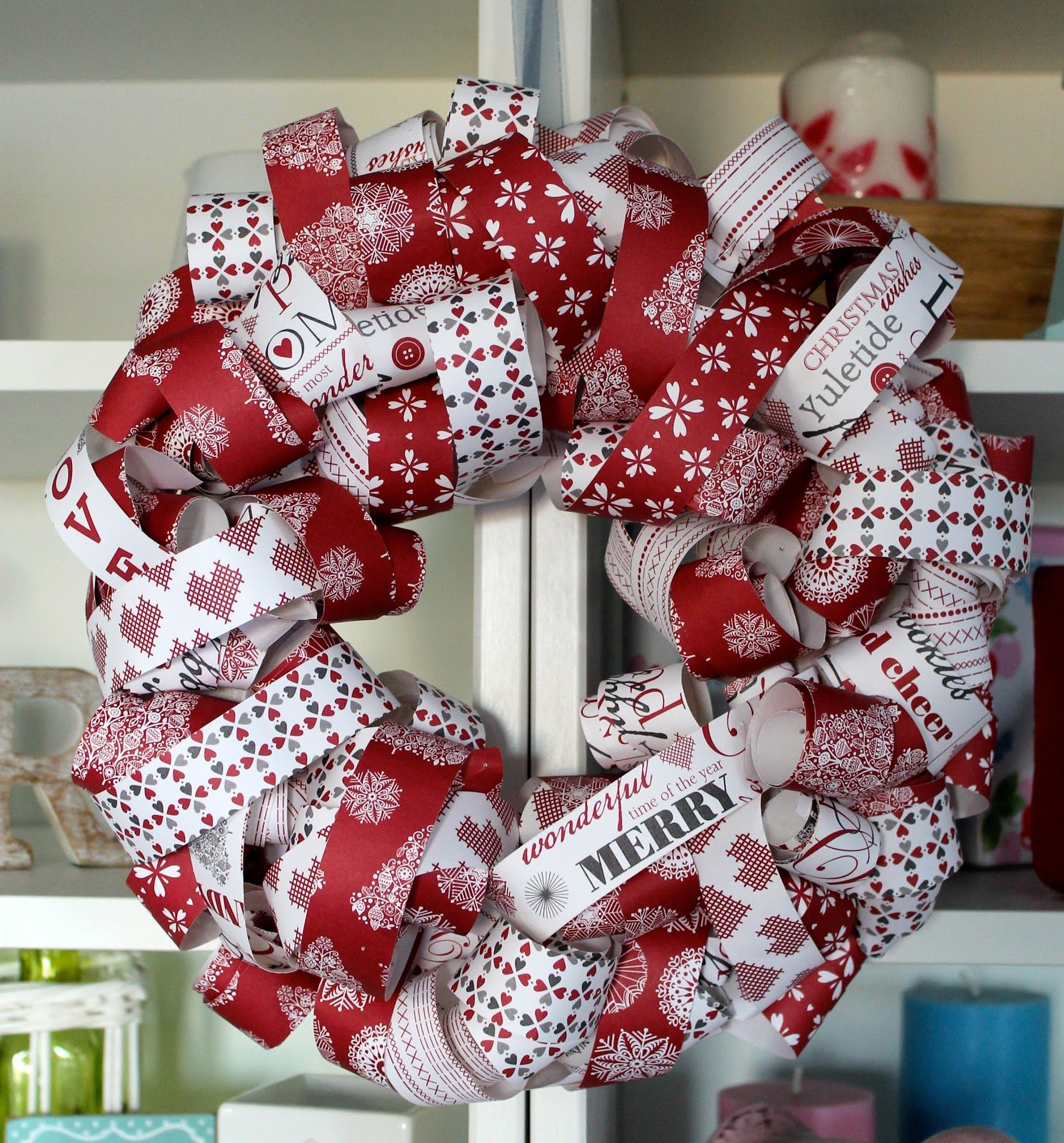 Red white christmas decorations ideas - 31