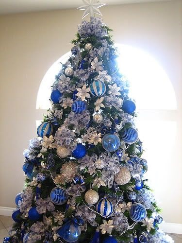 33 - Blue And Silver Christmas Decorating Ideas