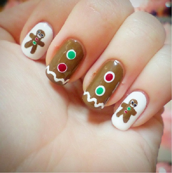 40 Easy Christmas Nail Art Designs