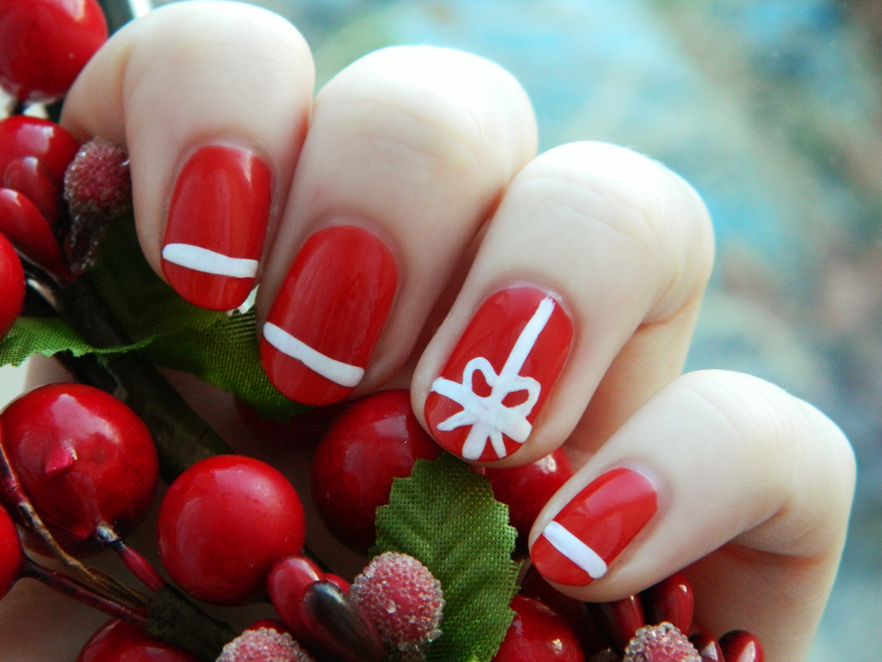 5 - 40 Easy Christmas Nail Art Designs - All About Christmas