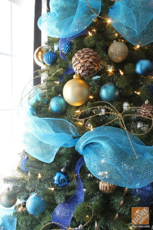 source let the tree take a dive in the blue decorate the christmas - Blue Christmas Tree Decoration Ideas