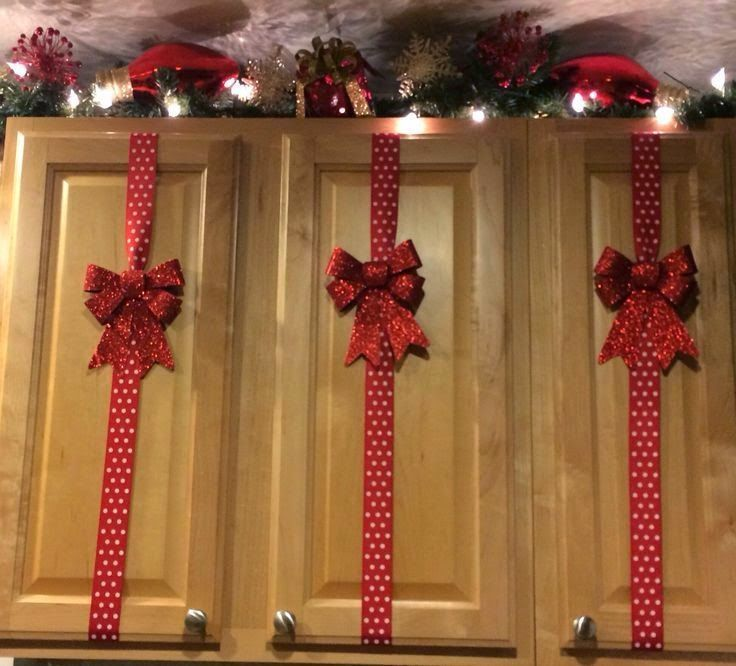 christmas decorated kitchen cupboard - Christmas Decorations For Kitchen Cabinets