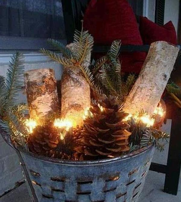 Christmas-Porch-Decorating-Ideas-56-1-Kindesign