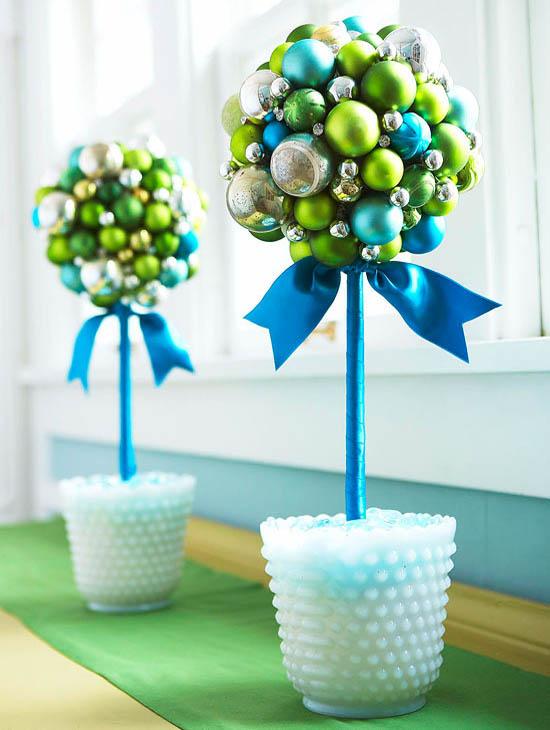 37 easy and fun diy christmas decorations to make all for Funny diy christmas decorations