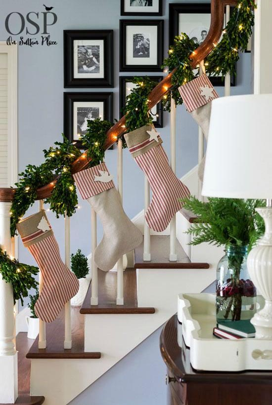 40 festive christmas banister decorations ideas all for Christmas home decorations pictures
