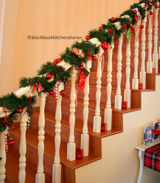 christmas-banister-decorations-27
