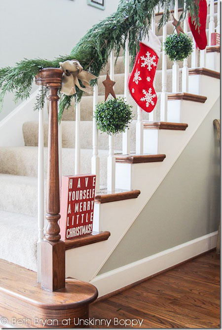christmas banister decorations 28 - Decorating Banisters For Christmas With Ribbon
