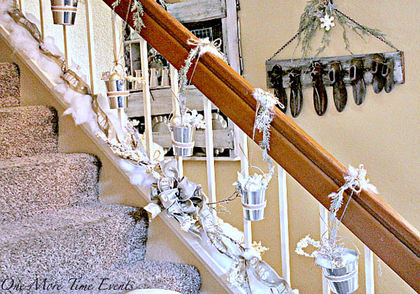 christmas-banister-decorations-30