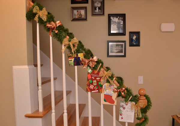 christmas-banister-decorations-31