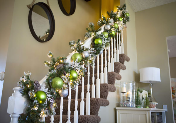 christmas-banister-decorations-33