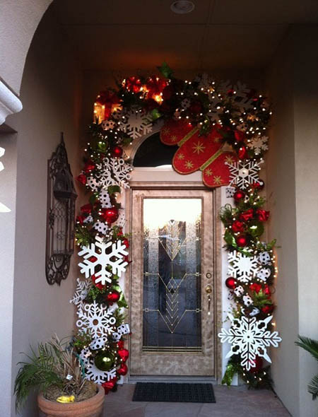 christmas front door decorations 1 - Front Door Christmas Decorations Ideas