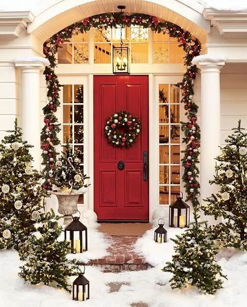 christmas-front-door-decorations-11