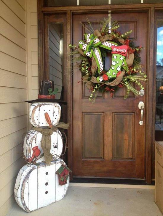 christmas-front-door-decorations-16