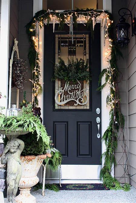 christmas-front-door-decorations-23