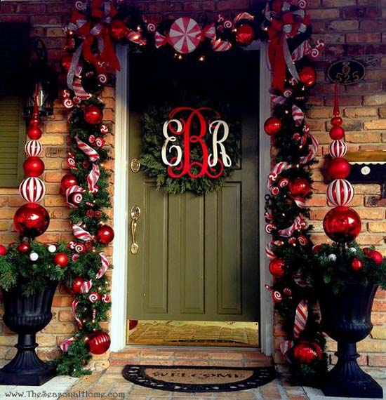 christmas-front-door-decorations-33