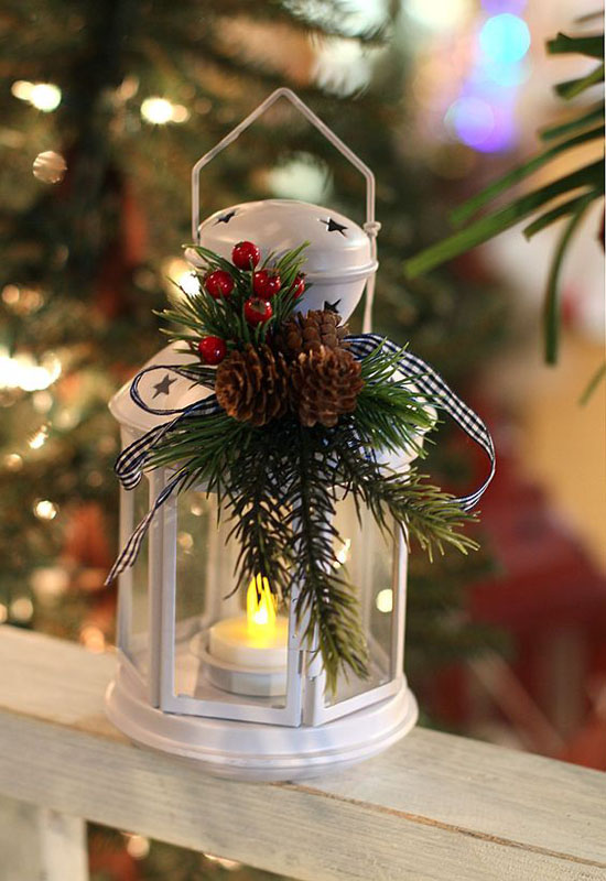 Stunning christmas lantern decorations ideas all about for Outdoor christmas lantern decorations