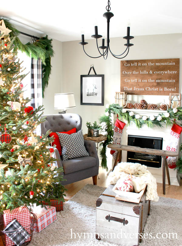 Most breathtaking christmas living room decorating ideas - Christmas room decor ideas ...