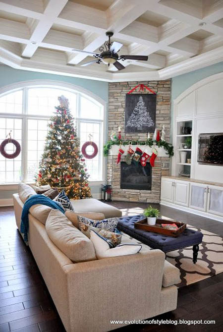 christmas-living-room-decorating-ideas-22