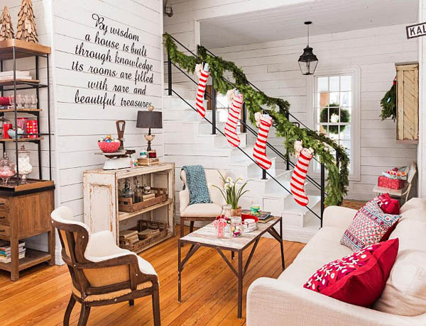 Most Breathtaking Christmas Living Room Decorating Ideas and