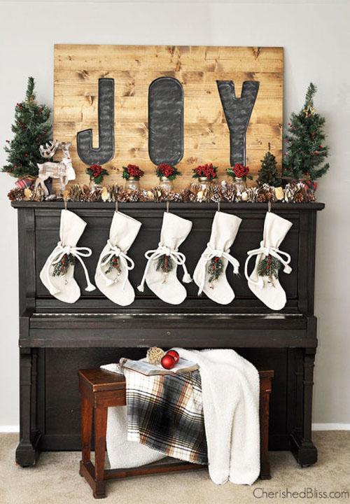 christmas-mantel-decorations-31