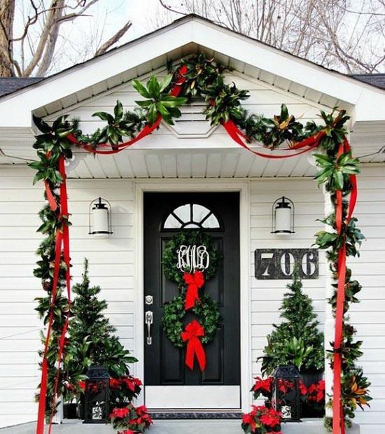 christmas porch decorating ideas 30