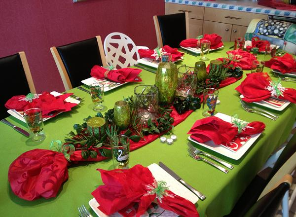 christmas-tablescapes-31