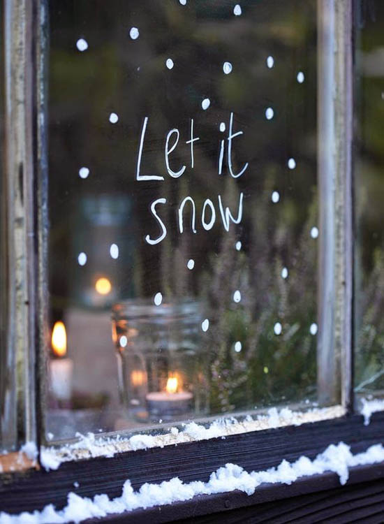 Delightful Christmas Window Decoration Ideas 11