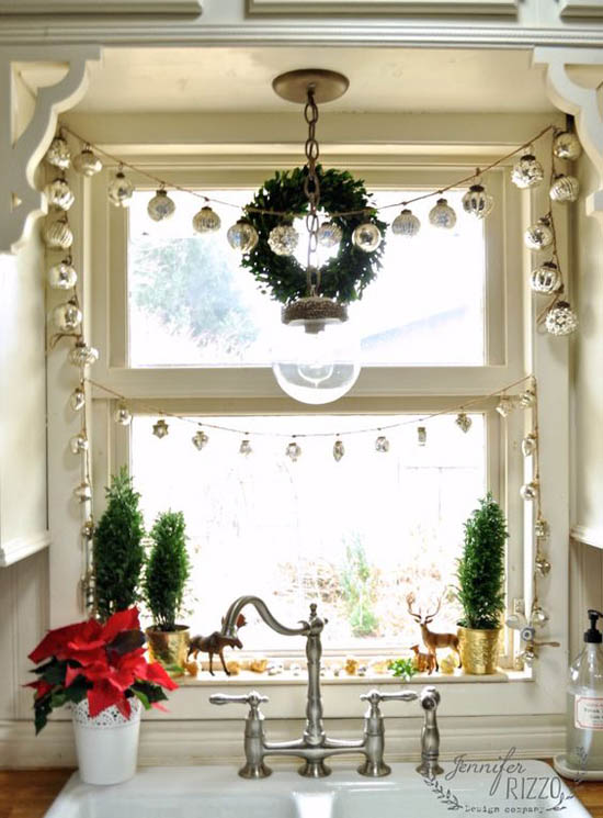 christmas window decoration ideas 29 - Christmas Window Decorations