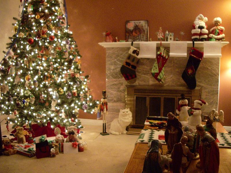Classic Christmas Decoration Living Room
