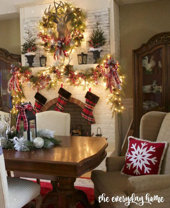 dining-room-christmas-decorations-25