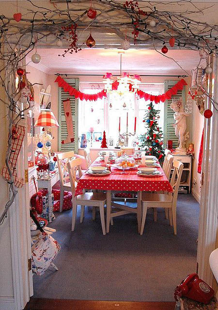 dining-room-christmas-decorations-28