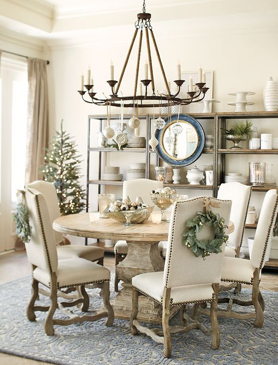 dining-room-christmas-decorations-31