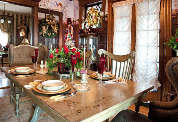 dining-room-christmas-decorations-40