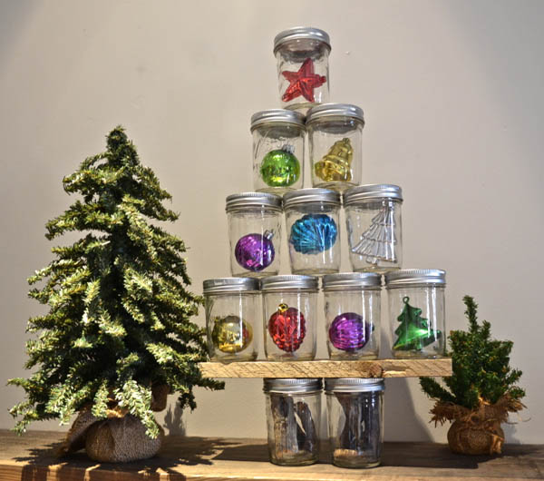 mason-jar-christmas-decorations-35
