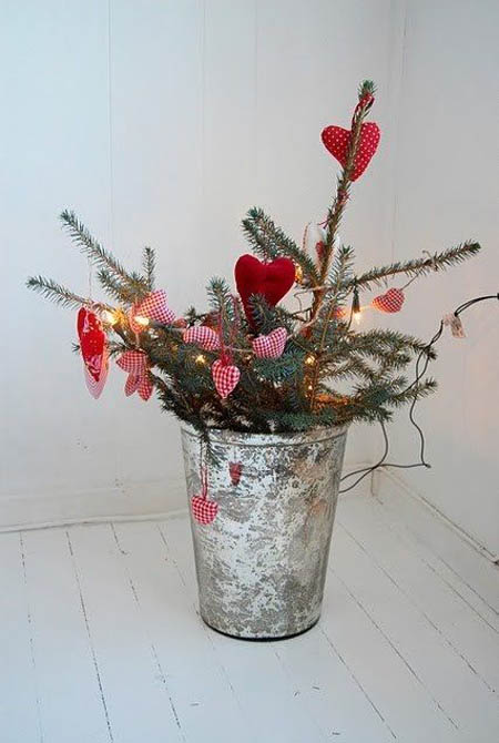 Scandinavian christmas decorations 21 all about christmas for Scandinavian christmas designs