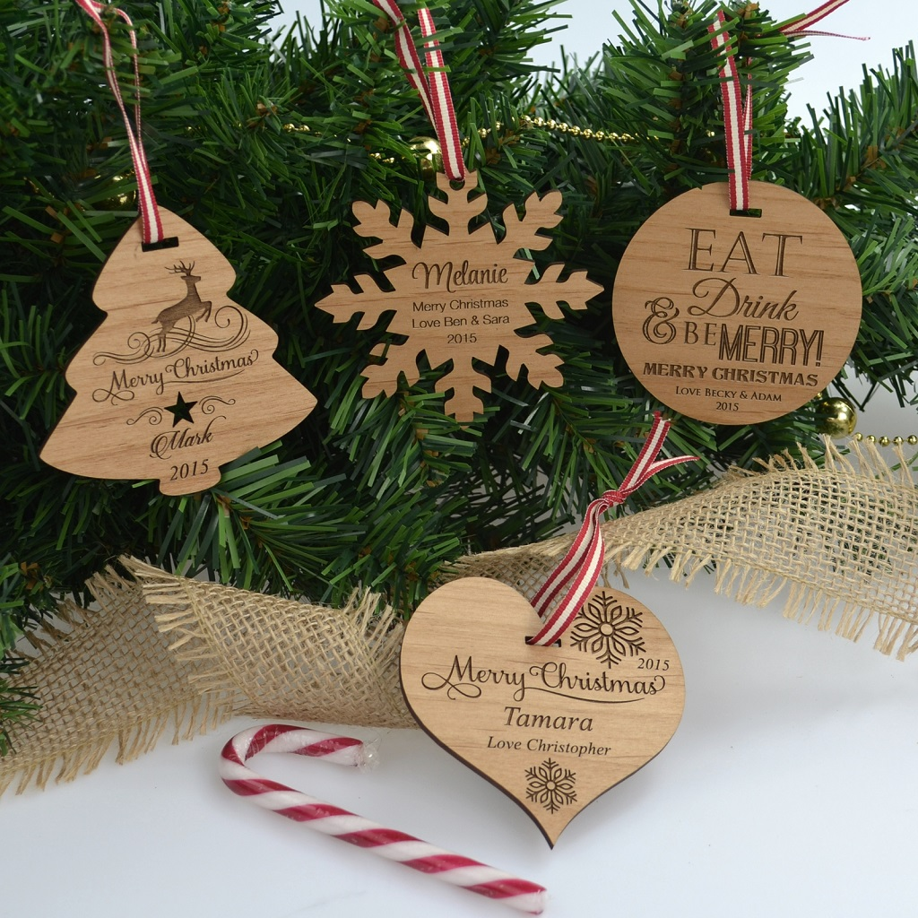 3 source messages etched on christmas decoration