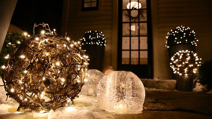 40 outdoor christmas lights decorating ideas all about christmas mozeypictures Gallery