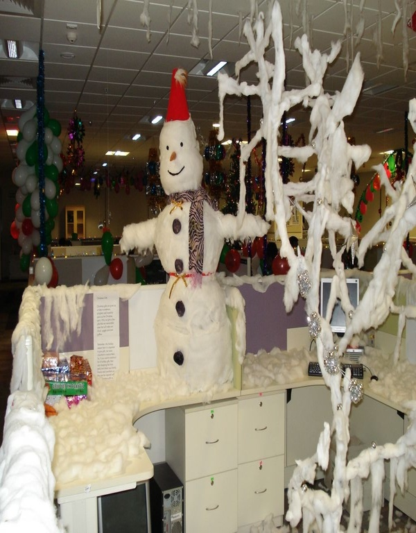 office christmas decoration themes call center 40 office christmas decorating ideas all about