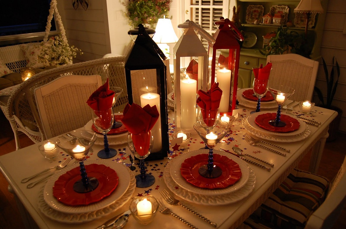 25 popular christmas table decorations on pinterest all for Ideas for pictures