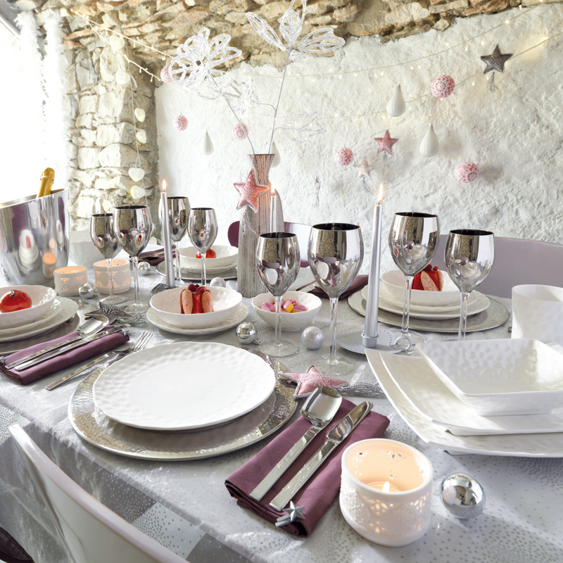 Elegant-Christmas-table-decorations