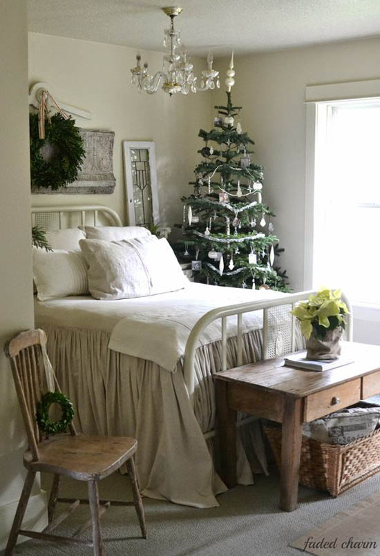 christmas-bedroom-decorating-ideas-21