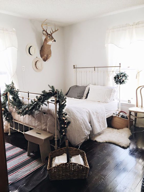 Rustic Christmas Bedroom & 35 Mesmerizing Christmas Bedroom Decorating Ideas - All About Christmas