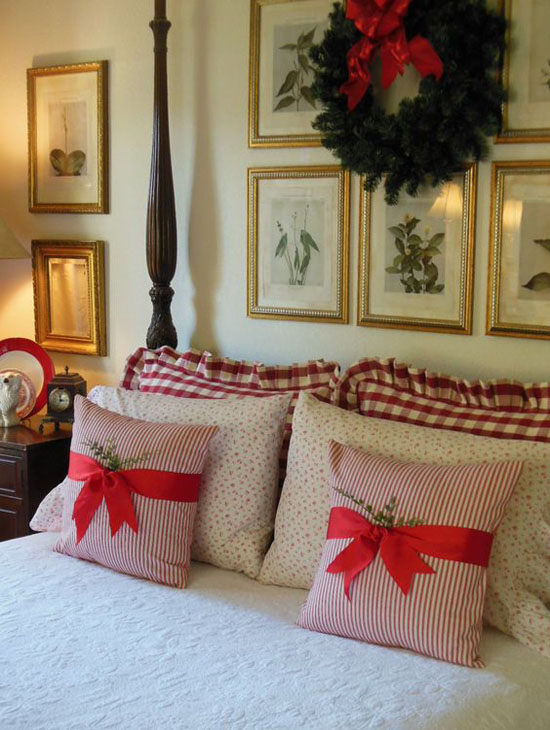 35 Mesmerizing Christmas Bedroom Decorating Ideas All About : christmas-bedroom-decorations - designwebi.com