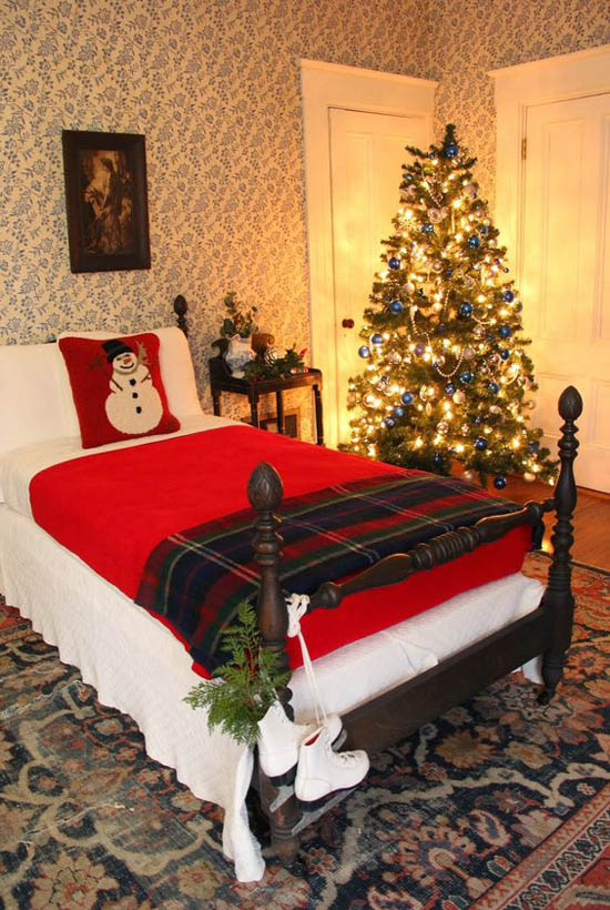 Christmas bedroom decorating ideas 31 all about christmas for Bedroom furnishing ideas
