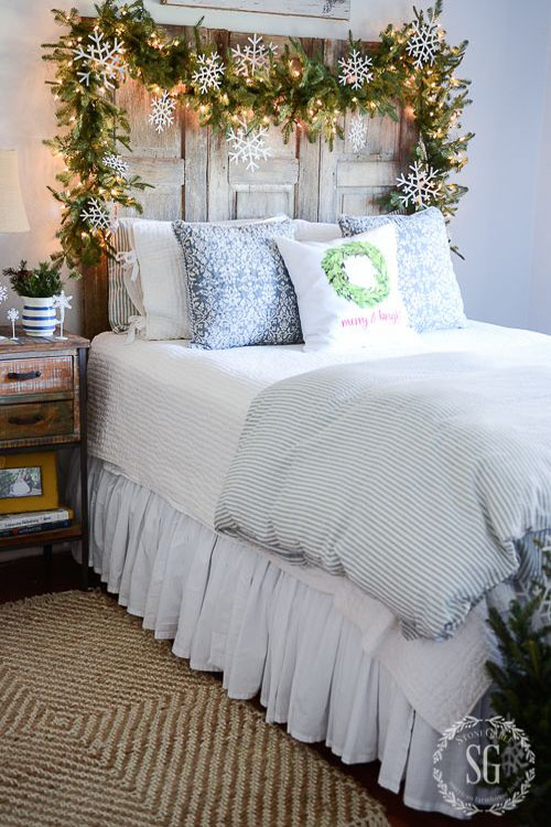 christmas bedroom decorating ideas 5 - Christmas Bedroom Decor Ideas