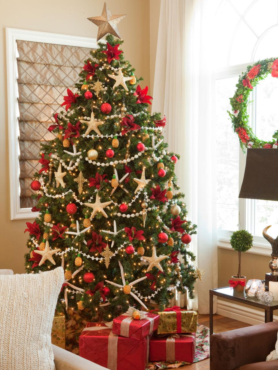 christmas tree theme ideas 24