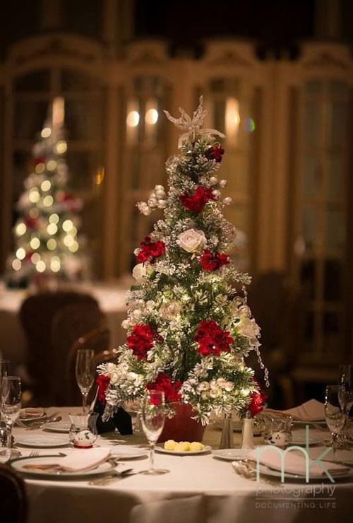 christmas-wedding-centerpieces-10