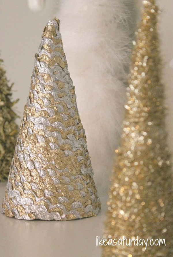 gold-christmas-decorations-33